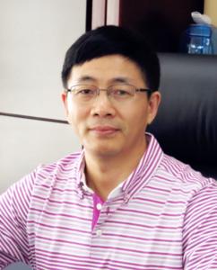 吕鸣 江苏港龙地产集团有限公司总裁、协会常务副会长